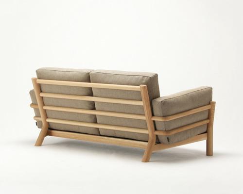 la revue du design blog archive castor sofa un hommage au canap grand confort de le corbusier. Black Bedroom Furniture Sets. Home Design Ideas