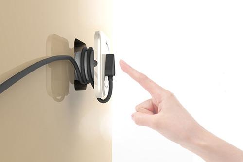 prise electrique design beautiful le lecteur mp de giha woo ressemble un ipad shuffle mais. Black Bedroom Furniture Sets. Home Design Ideas