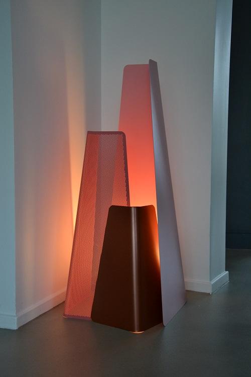 Luminaire A Poser Au Sol #15: Fragment : Lampe à Poser Au Sol Par Le Designer Tamim Daoudi