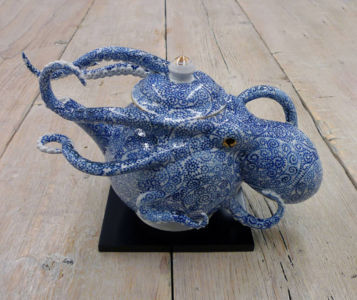 Vase de céramique zoomorphique par Keiko Masumoto